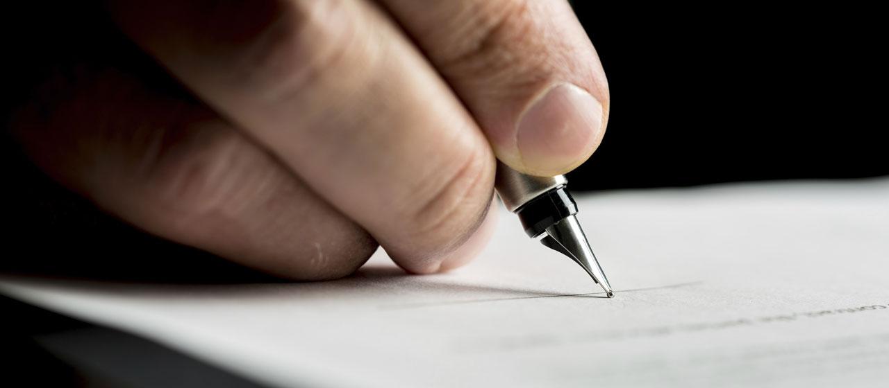 Stylo signature contrat Judicia Conseils